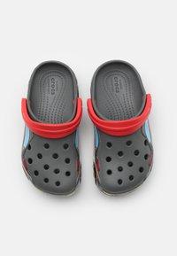 Crocs - TRUCK - Sandały kąpielowe - slate grey - 3