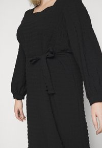 Pieces Curve - PCKUMA MIDI DRESS - Day dress - black - 6