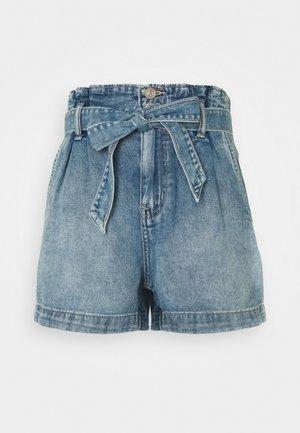 PAPERBAG MOM - Denim shorts - medium vintage wash