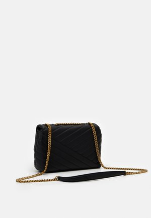 KIRA CHEVRON SMALL CONVERTIBLE SHOULDER BAG - Torba na ramię - black