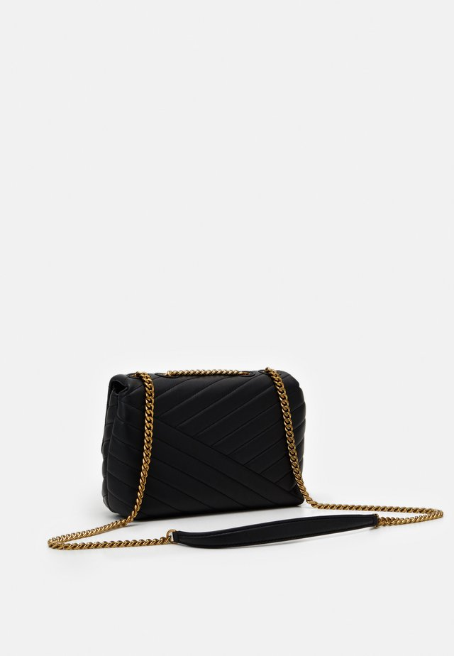 KIRA CHEVRON SMALL CONVERTIBLE SHOULDER BAG - Olkalaukku - black