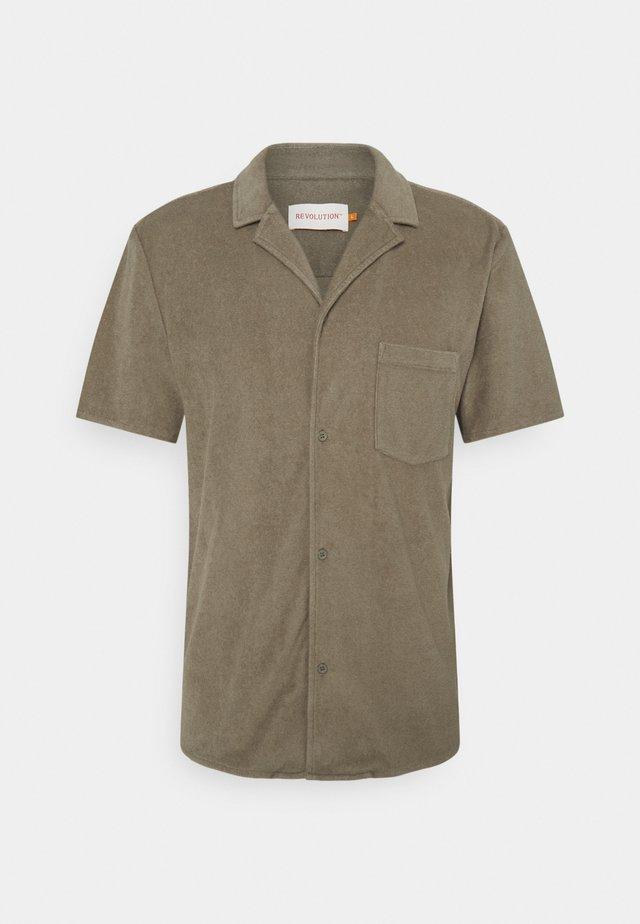 TERRY CUBAN - Skjorte - army