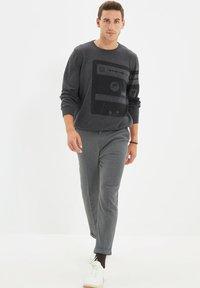 Trendyol - PARENT - Pantalon classique - grey - 4