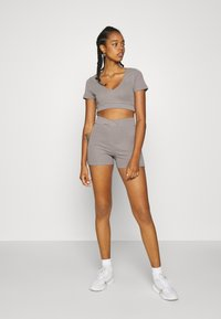 Nly by Nelly - WRAP WAIST MINI SET - Tracksuit bottoms - gray - 5