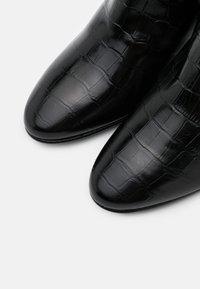 Brenda Zaro - VALERIA - Kotníková obuv - monterrey black - 5