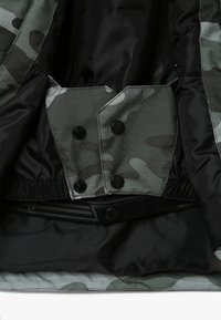 Brunotti - GULLIES BOYS SNOW JACKET - Snowboardová bunda - beetle green - 3