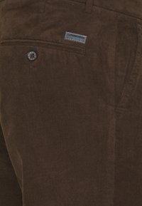 Lindbergh - CORD TROUSERS - Spodnie materiałowe - brown - 2