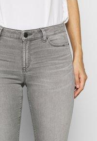 Esprit - Jeans Skinny Fit - grey medium wash - 4