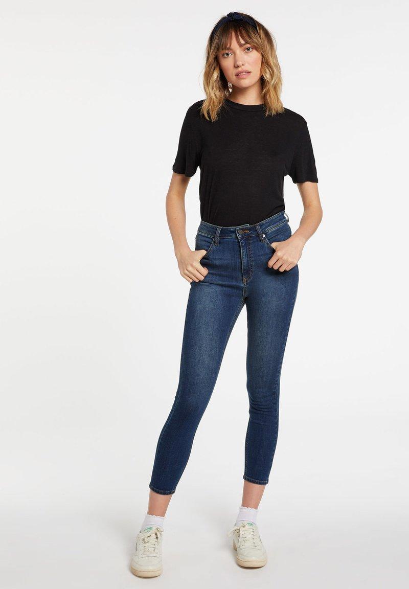 Volcom - LIBERATOR HIGH RISE - Jeans Skinny Fit - blue