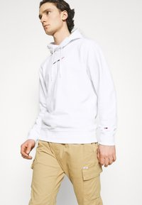 Tommy Jeans - STRAIGHT LOGO HOODIE - Mikina - white - 3