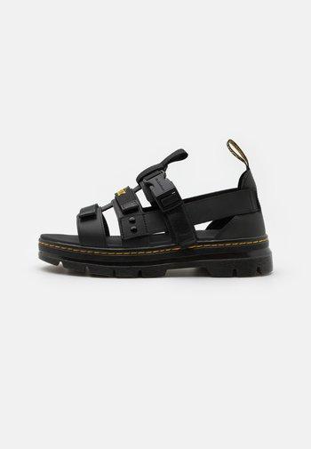 PEARSON UNISEX - Sandaalit nilkkaremmillä - black