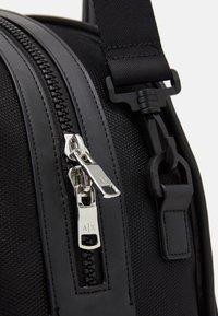 Armani Exchange - Weekend bag - nero - 3