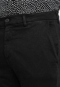 Replay - ZEUMAR HYPERFLEX  - Pantaloni - black - 3