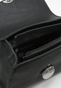 L.CREDI - HENKELTASCHE FENJA - Handbag - schwarz - 3