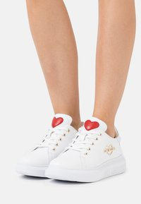 Love Moschino - Trainers - bianco - 0