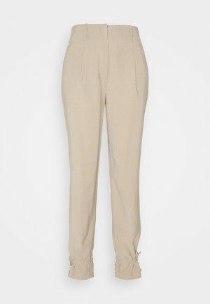 LUCILLE MAVIS PANT - Broek - roasted grey khaki