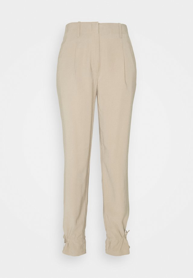 LUCILLE MAVIS PANT - Bukser - roasted grey khaki