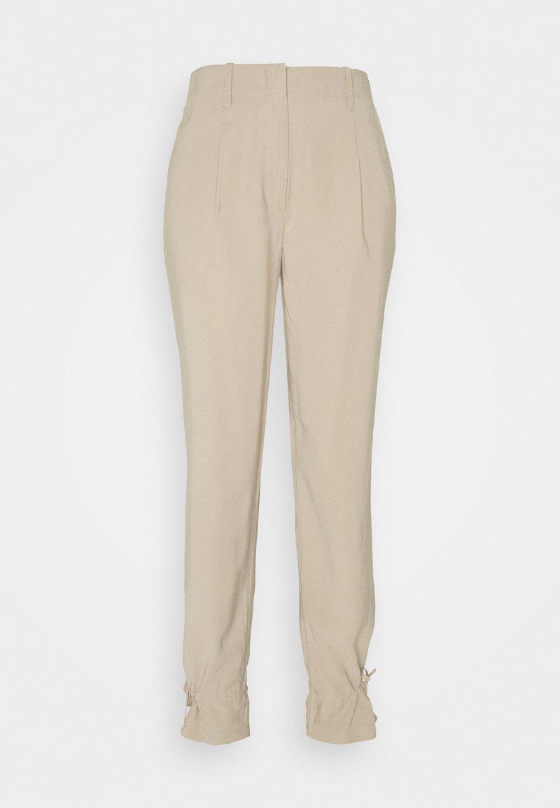 Bruuns Bazaar - LUCILLE MAVIS PANT - Kalhoty - roasted grey khaki