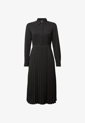 MIT PLISSEE - Shirt dress - black