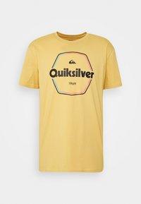 Quiksilver - HARD WIRED  - Triko spotiskem - rattan - 0