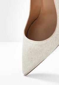 Pura Lopez - High heels - glitter platin - 2