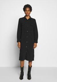 Monki - JAMIE DRESS - Denim dress - black dark - 0