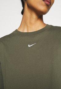 Nike Sportswear - T-shirt basique - cargo khaki/white - 5