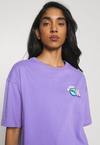 Puma - DOWNTOWN GRAPHIC - Print T-shirt - hazy blue - 3