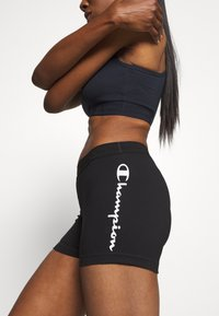 Champion - LEGACY - Shorts - black - 3