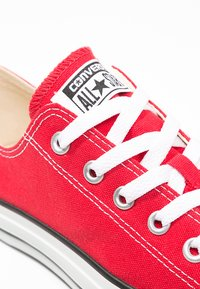 Converse - CHUCK TAYLOR ALL STAR OX - Sneakers - red