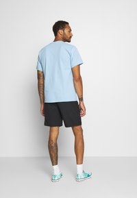 Levi's® - LINED CLIMBER - Shorts - jet black - 2