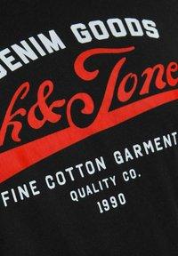 Jack & Jones - JJELOGO TEE O NECK - Print T-shirt - black - 6