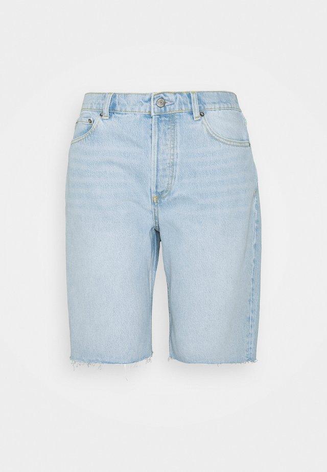 BRADLEY - Jeans Shorts - sunrise