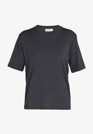 Basic T-shirt - panther