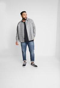 URBN SAINT - USBERLIN - Jeans slim fit - atlantic blue - 1