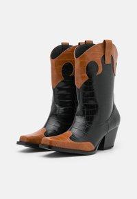 Monki - VEGAN NETTAN BOOT - Cowboy/Biker boots - black dark - 1