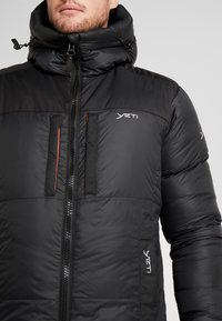 YETI - SKANSHOLM OVERSIZE - Down coat - black - 4