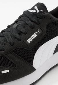 Puma - R78 UNISEX - Trainers - black/white - 5