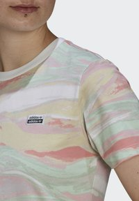 adidas Originals - TEE - T-shirts print - multicolor - 4
