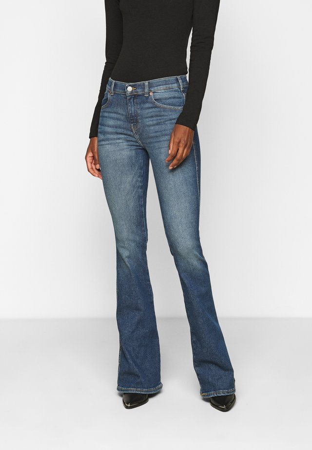 MACY - Flared jeans - eastcoast blue