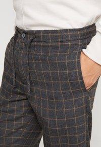 Burton Menswear London - WINDOW - Kalhoty - mid grey - 3