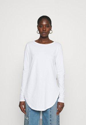 LONG SLEEVE TEARDROP TEE - Long sleeved top - white