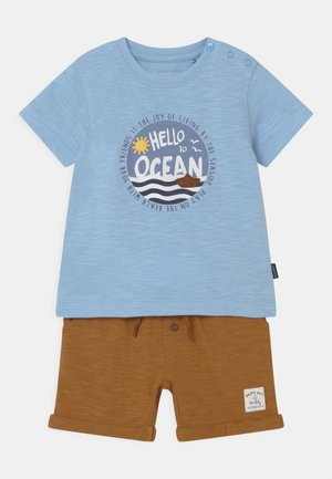 SET - T-shirt print - light blue/beige