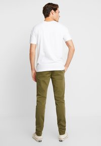 Knowledge Cotton Apparel - JOE STRETCHED  - Kalhoty - burned olive - 2