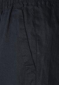 Lauren Ralph Lauren - SOFT DRAPEY - Shorts - navy - 2