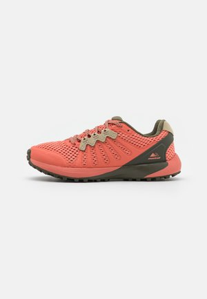 MONTRAIL F.K.T. - Trail running shoes - faded peach