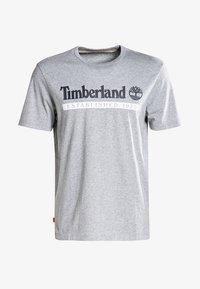 Timberland - Print T-shirt - medium grey heather-white - 4