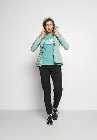 The North Face - SUMMER BOYFRIEND TEE - Print T-shirt - bristol blue - 1
