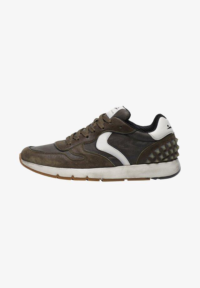 JAVE BIS  - Sneakers basse - militärgrüne