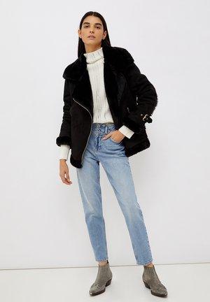 ECO-FRIENDLY MUM - Slim fit jeans - blue denim
